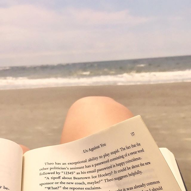 🤓📖 Yes, this picture is blurry; no, I don't care. Reading on the beach is my happy place. Instagramming on the beach is not my happy place. So I guess that's sorted 🤷🏼‍♀️ I wrote a short review for 8 of the books I've read in the last couple of months - check it out if you're looking for a beach read of your own ☺️🏝 I'll pop the link in my bio, if you're into that sort of thing. . . . . . #bookstagram #bookworm #writersofinstagram #charlestonblogger #charleston #sullivansisland #fredrickbackman #bookreview