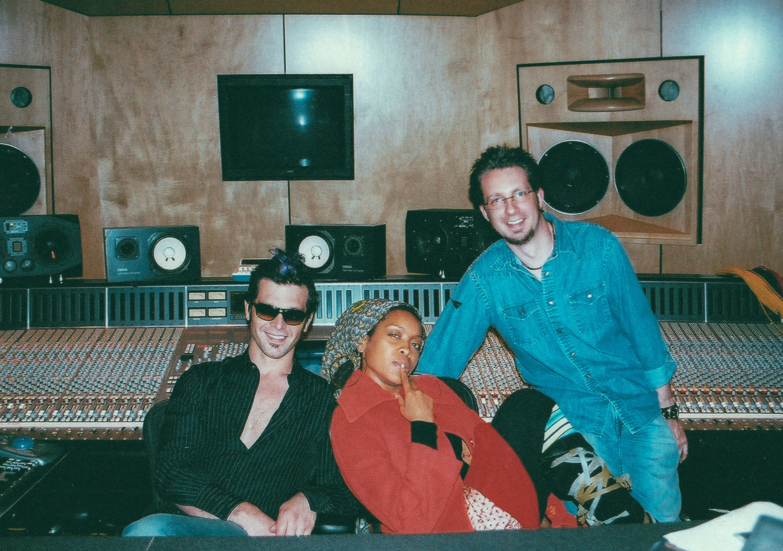 In session with Doyle Bramhall II and Erykah Badu at Luminous Sound