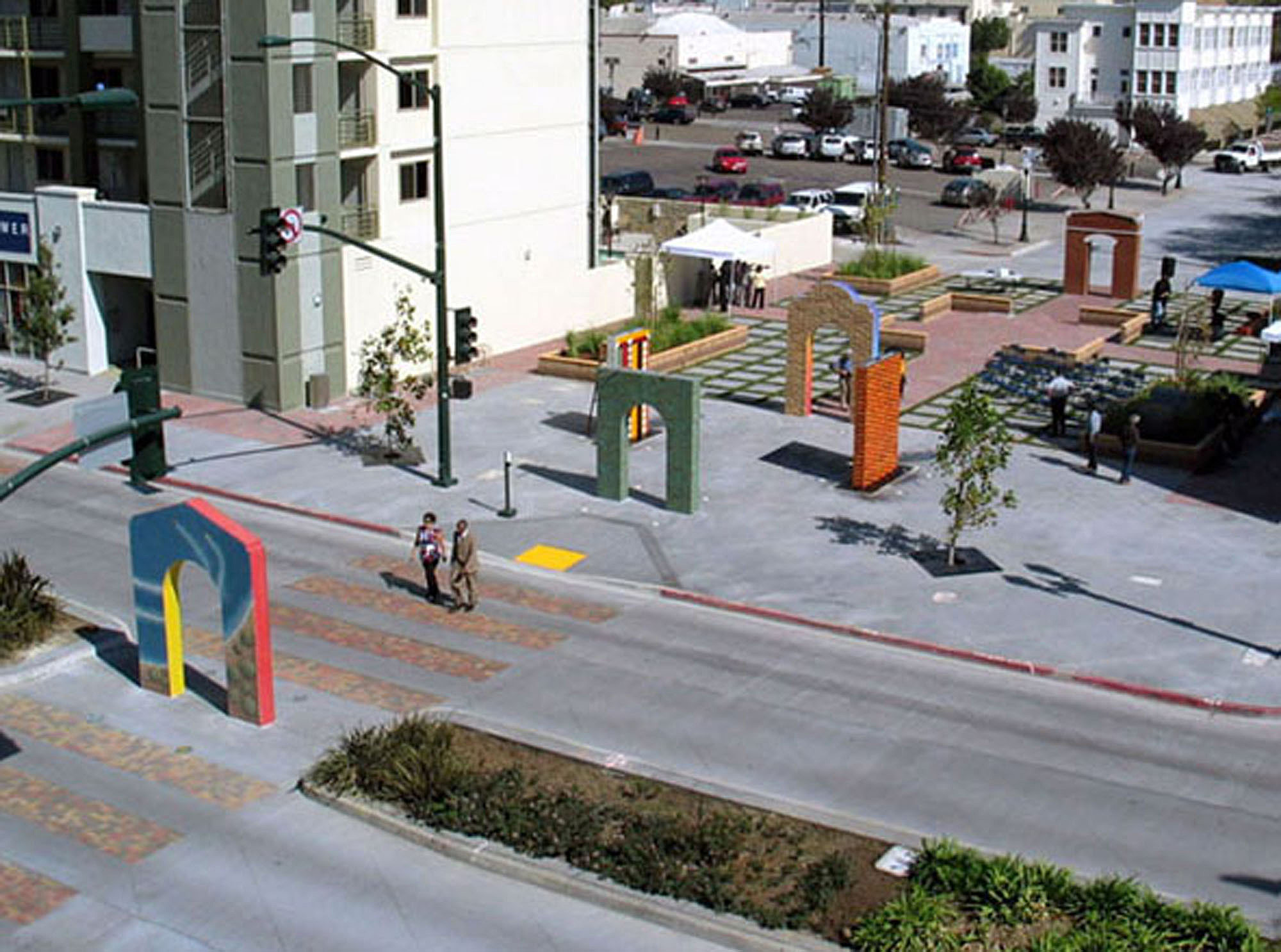 Portals in Time - National City Boulevard Streetscape and Fountain Promenade Project