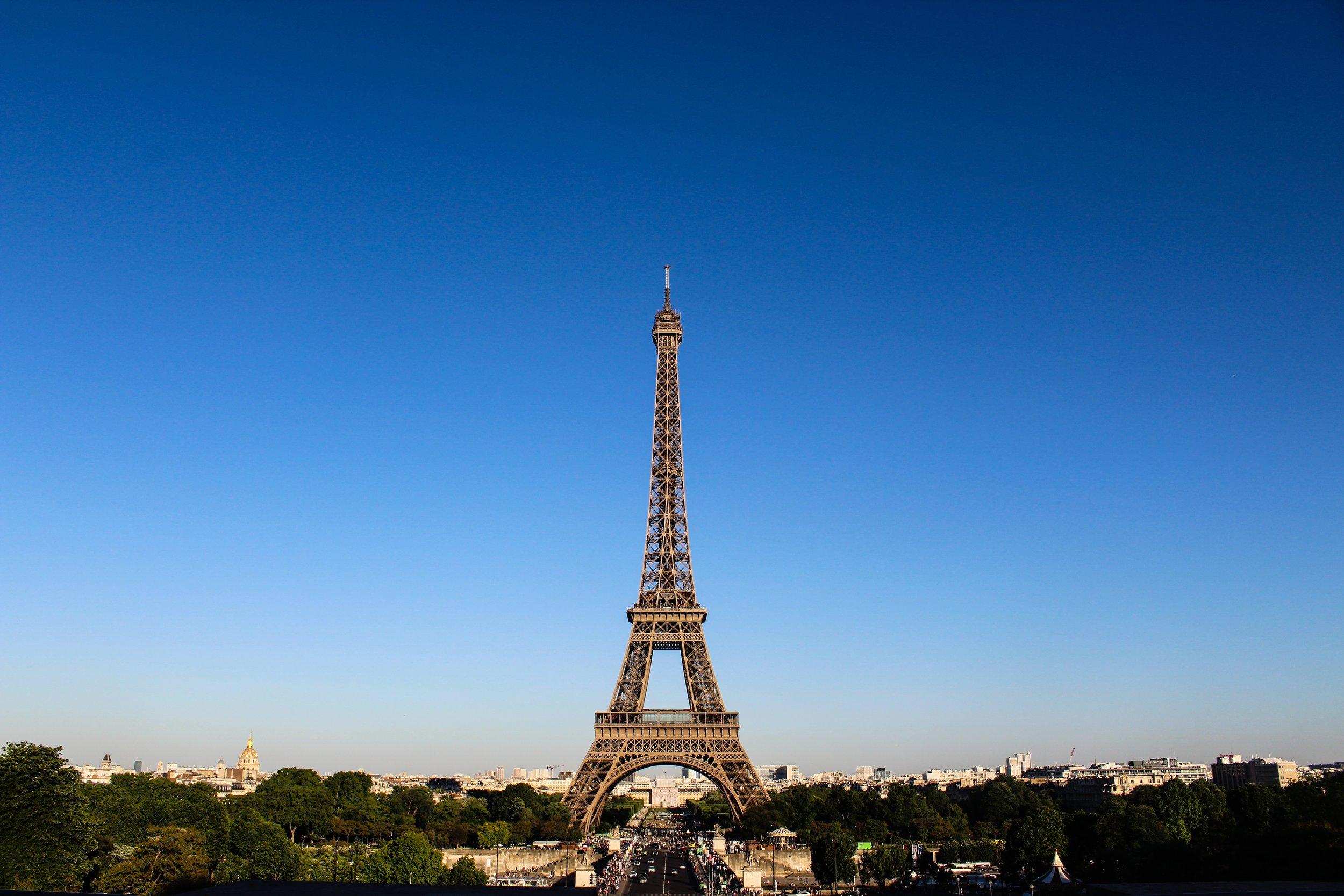 solo-travel-with-sonia-family-european-tours