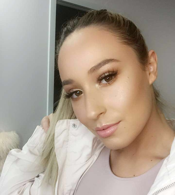 Maria Giannakakis, owner of studiomg/makeup/lash specialist, always had the drive to explore fashionability through her makeup talents. She decided to pursue her makeup career in the event and wedding industry and has been putting smiles on all her clients face ever since.