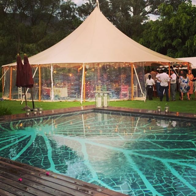 Kitsia & Manuela's 40th. Circus tent by the pool! Brilliant . Felicidades @belemeventosmarq