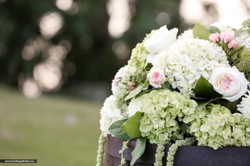 Bluegrass Chic - barrel top floral piece