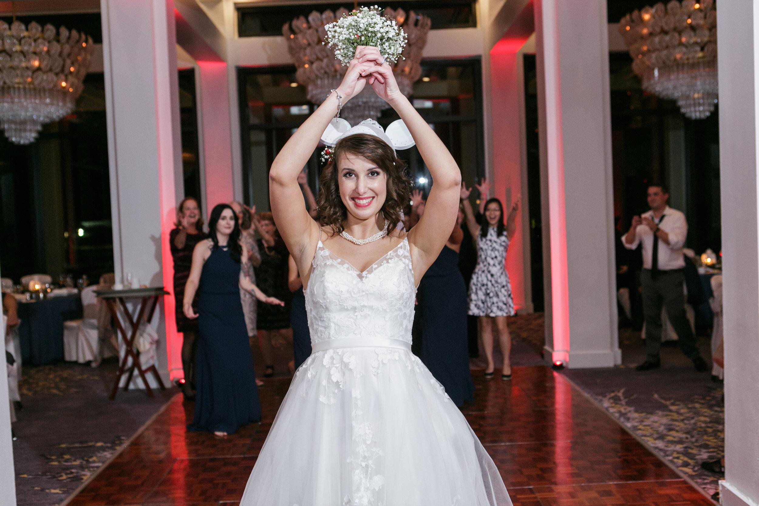 Bluegrass Chic - Bumby Photography - Bridal Toss Bouquet