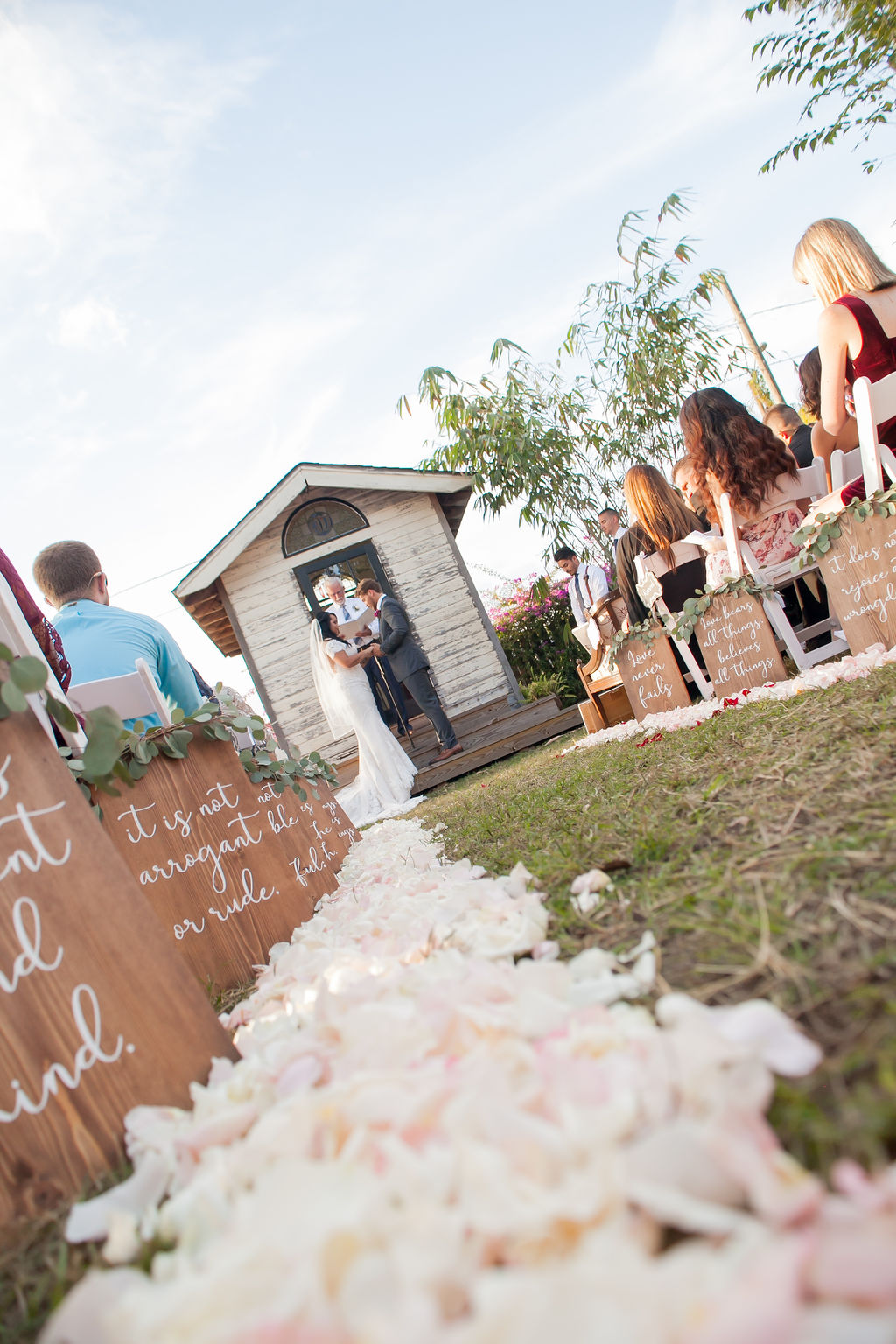 Bluegrass Chic - Scripture aisle markers