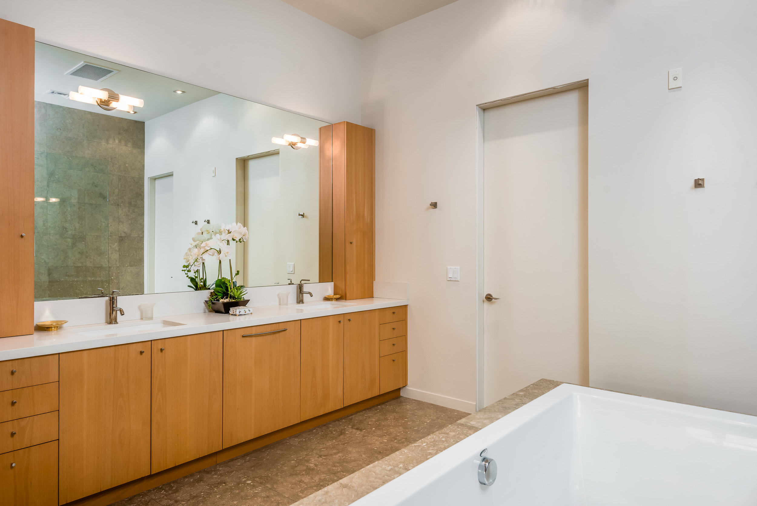 010_10-Master Bathroom.jpg