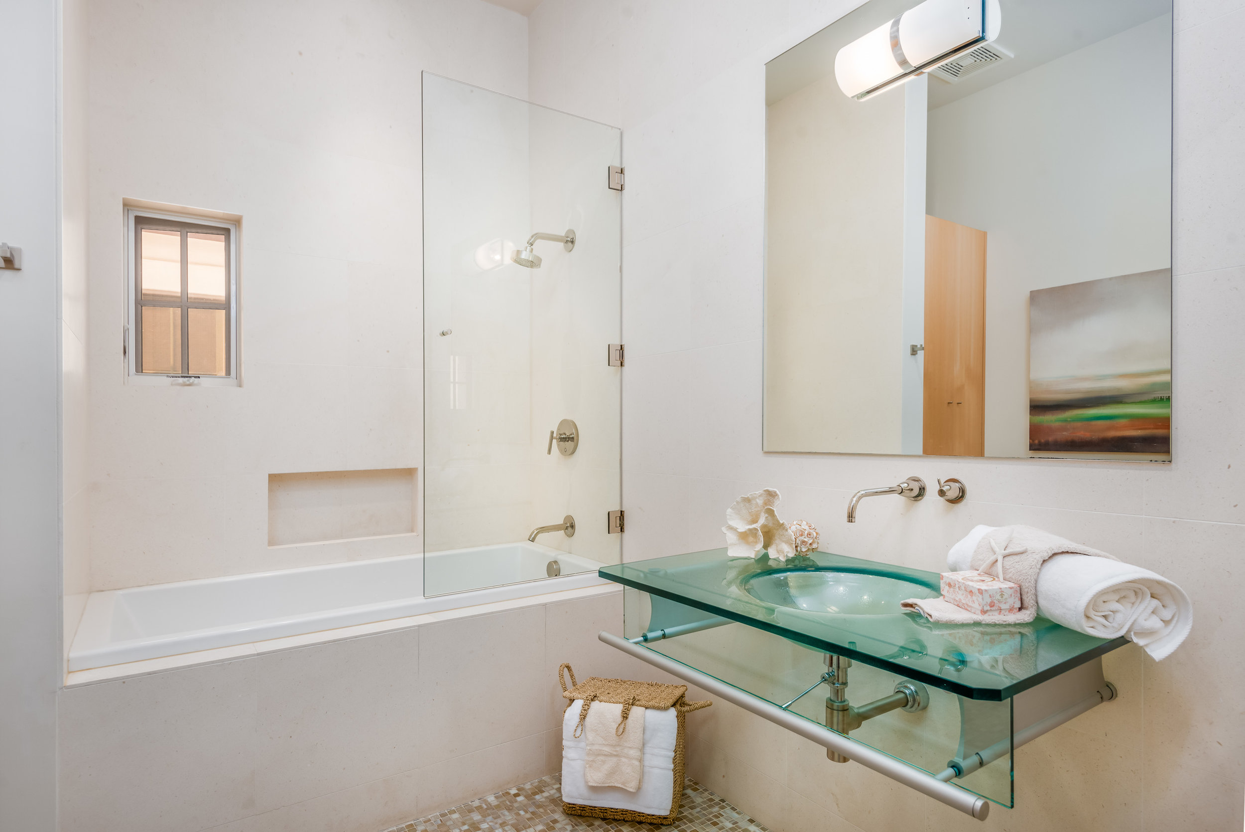 014_14-Bathroom 2.jpg