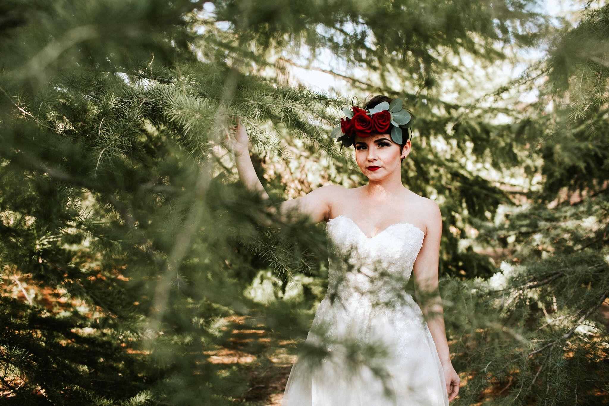 laura_shane_snow_SMitten_bridal_hesperia.jpg