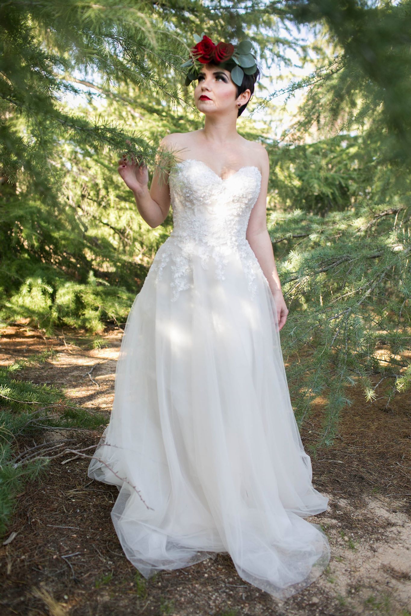 Smitten_bridal_fairytale_Shoot_hesperia.jpg