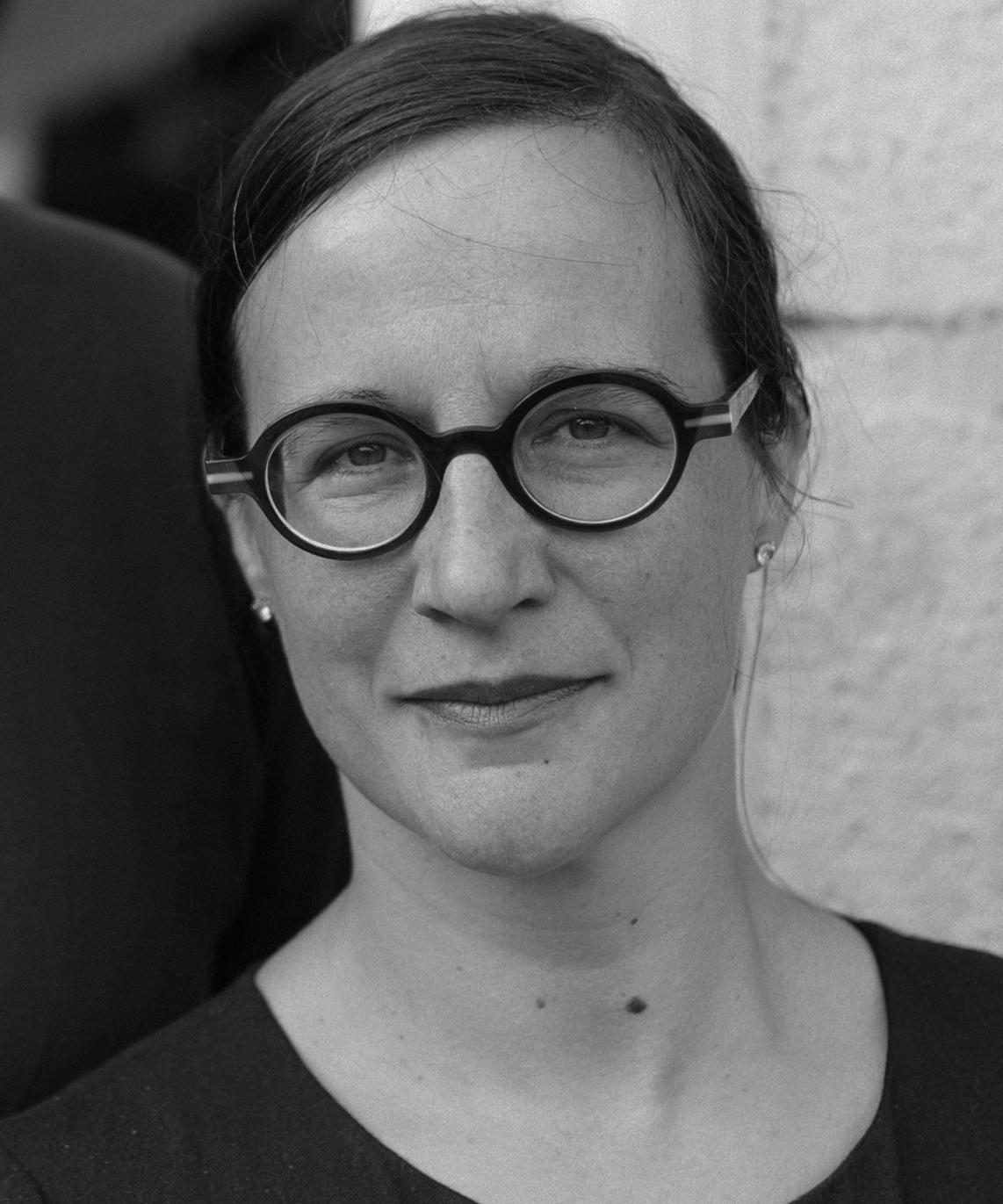 Fanny Carbonneaux - Directrice / Relation partenaires  +33 (0) 6 86 02 68 48  fcarbonneaux@plumbum.fr