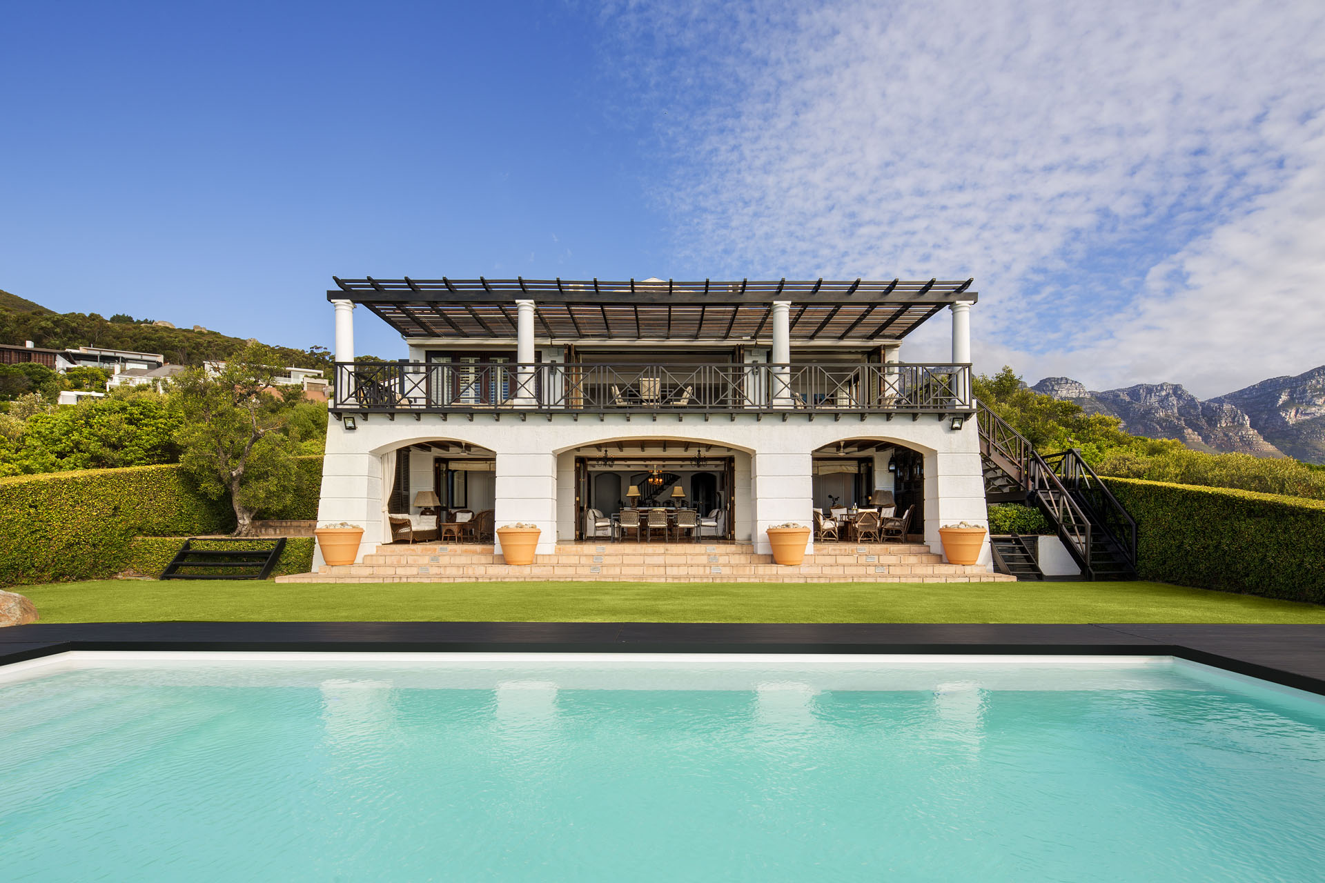 LA MER - Camps Bay / CliftonFrom R 42,000.00 P/N