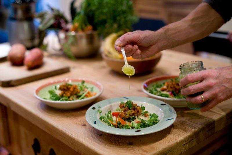 IOyogaF15vc099-800-x-533-chickpea-salad.jpg