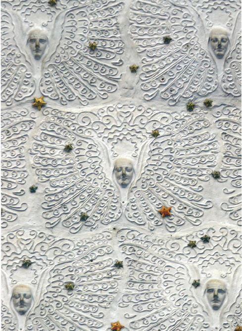 Détail du décor des anges en plâtre de la voûte