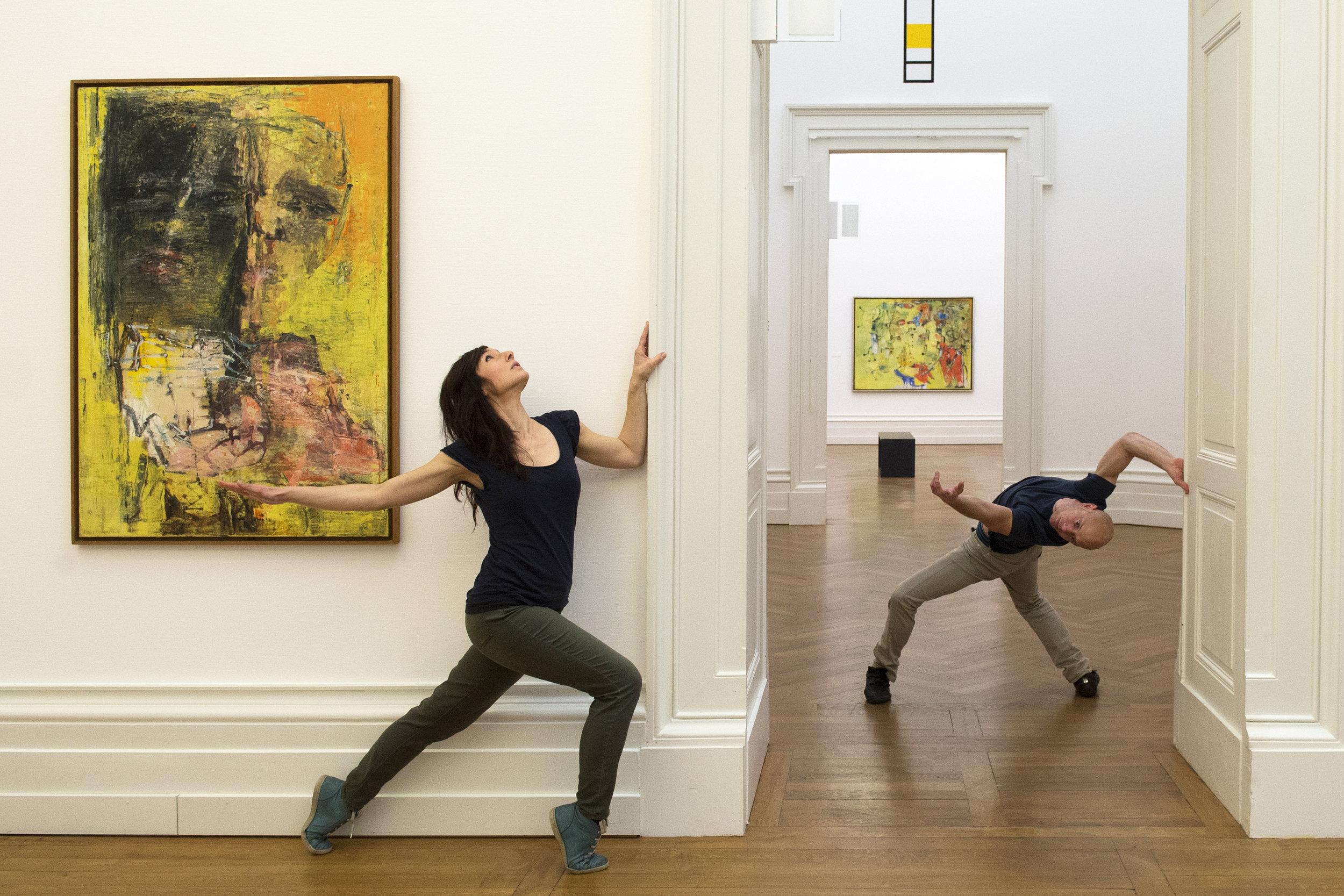 """Performance de danse dans le cadre de l'exposition """"Renzo Ferrari, Visions nomades"""" le 8 février 2015"""