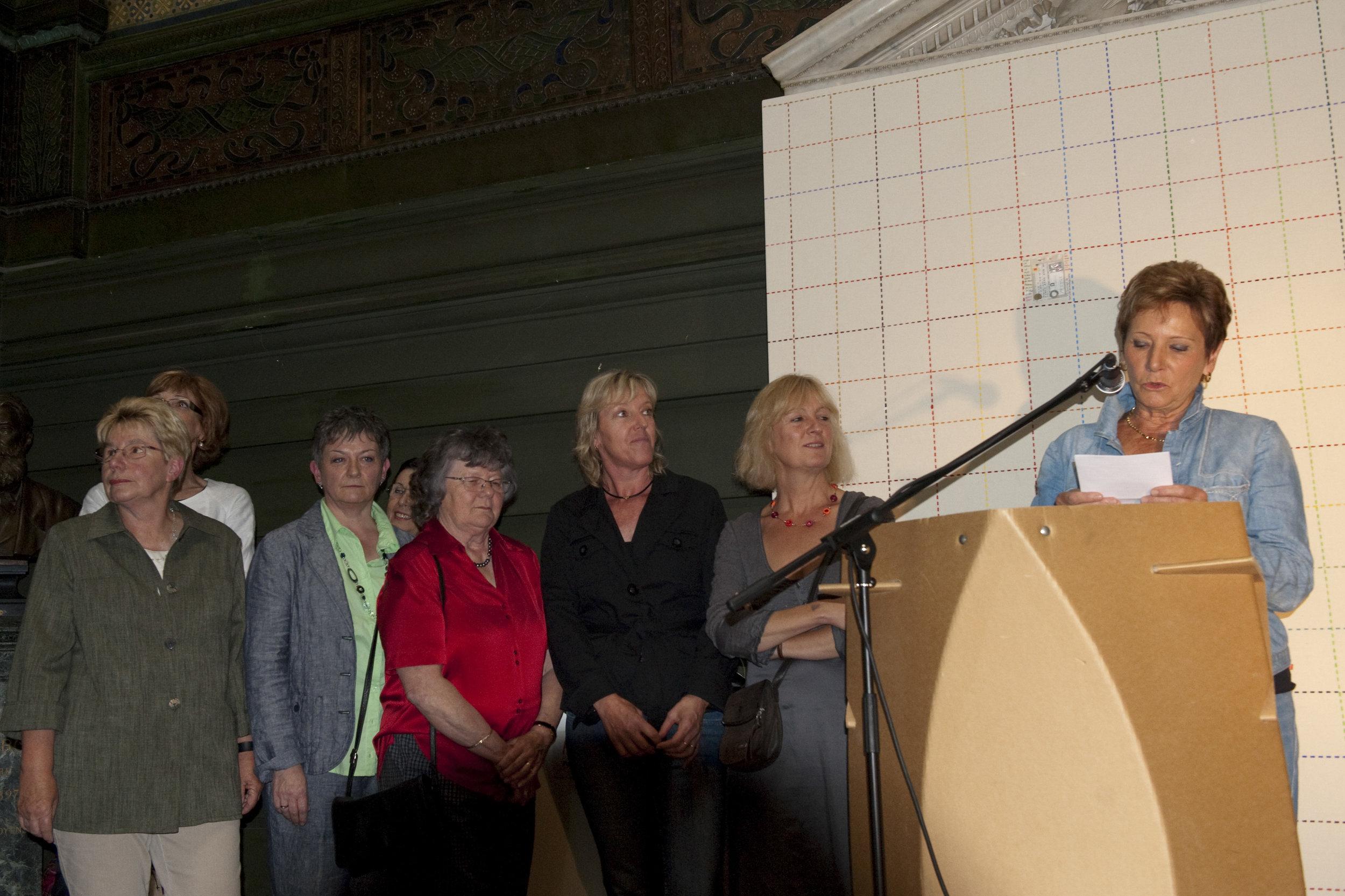 """Discours de Violaine Barrelet, présidente d'ARTHIS, lors de la remise du prix que l'association a décerné au collectif Six Patch pour leur oeuvre """"Strauss bleu"""" le 19 juin 2010"""