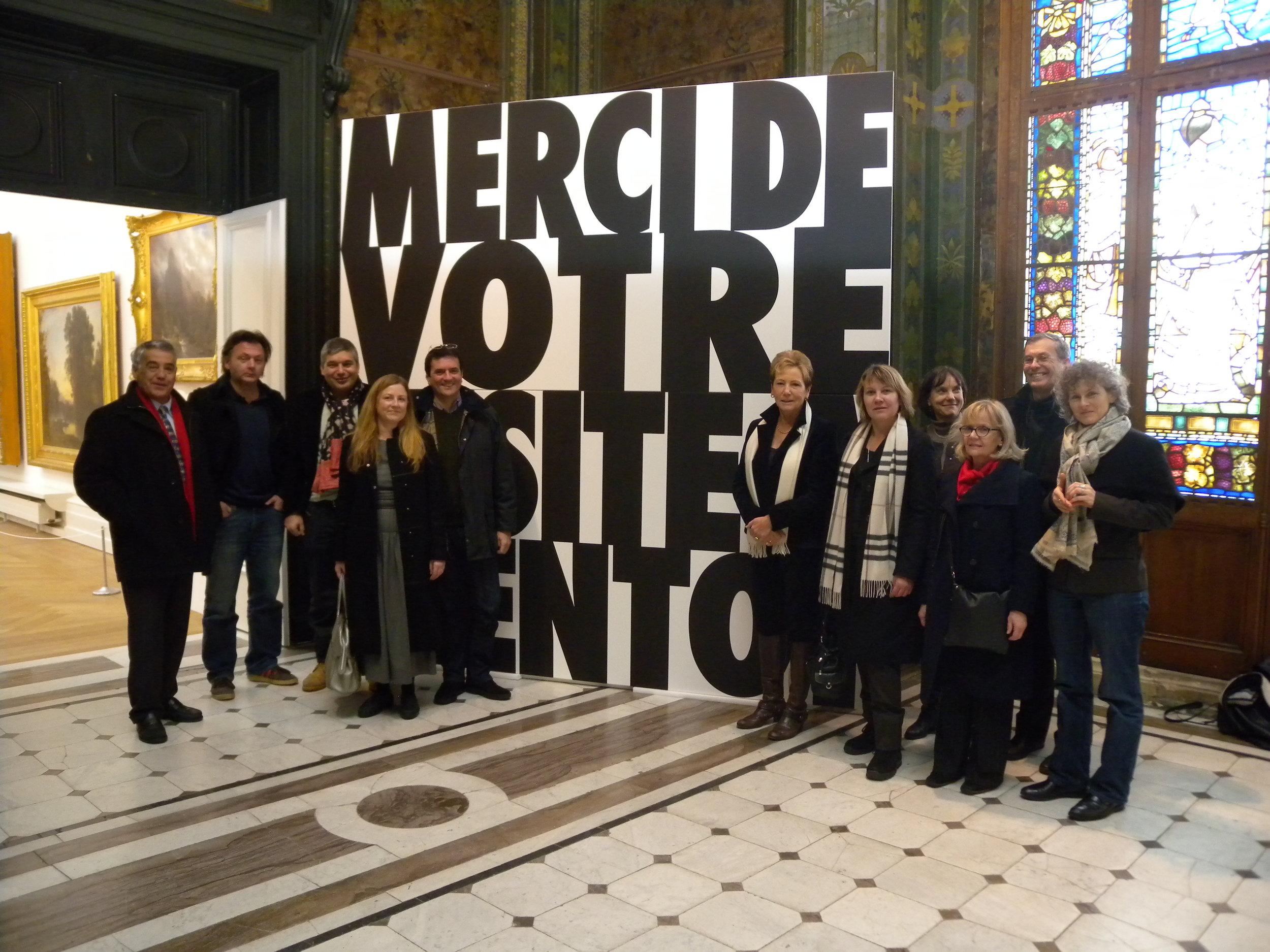 Remise officielle de l'oeuvre le 17 décembre 2010, en compagnie de l'artiste Christian Robert-Tissot,de la directrice des affaires culturelles de la Ville de Neuchâtel Françoise Jeanneret et de la présidente d'ARTHIS Violaine Barrelet.