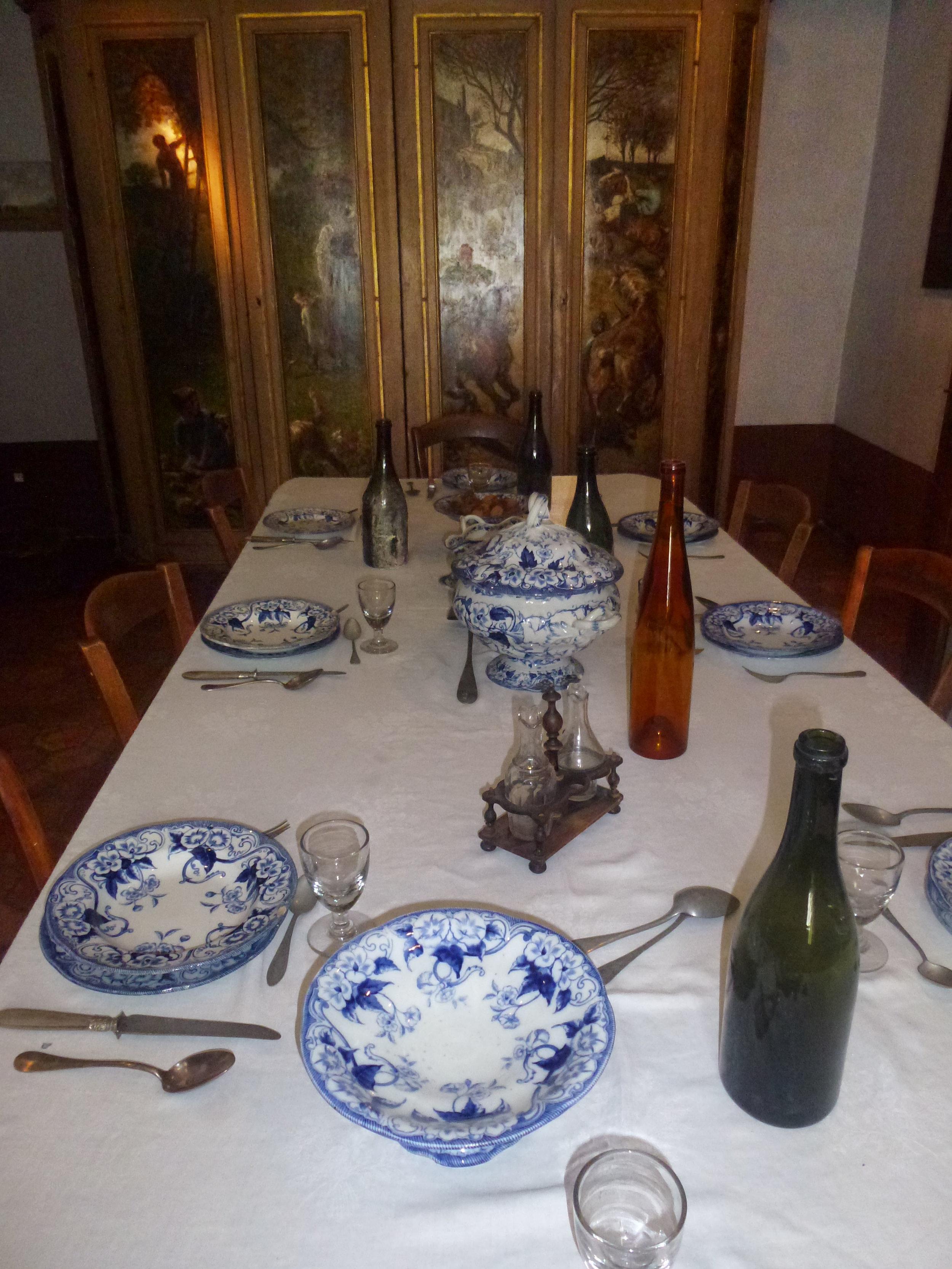 La salle à manger de l'Auberge Ganne,musée de l'École de peinture de Barbizon
