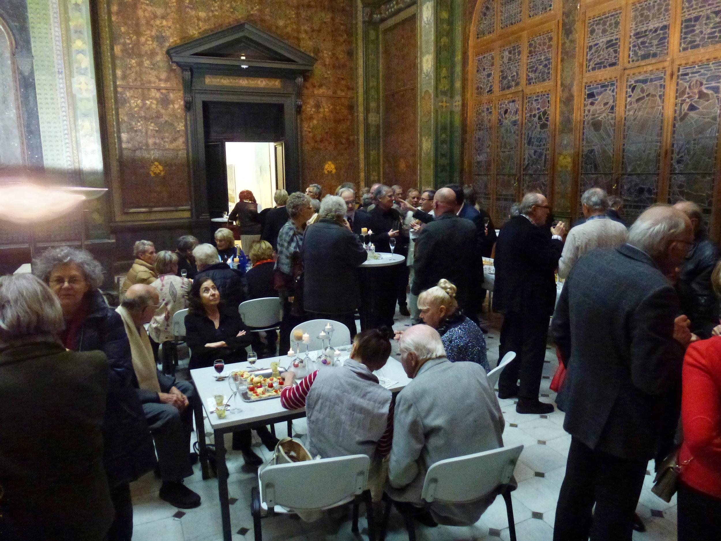 A l'issue de la présentation, le buffet des 20 ans d'ARTHIS a été plébiscité par chacun
