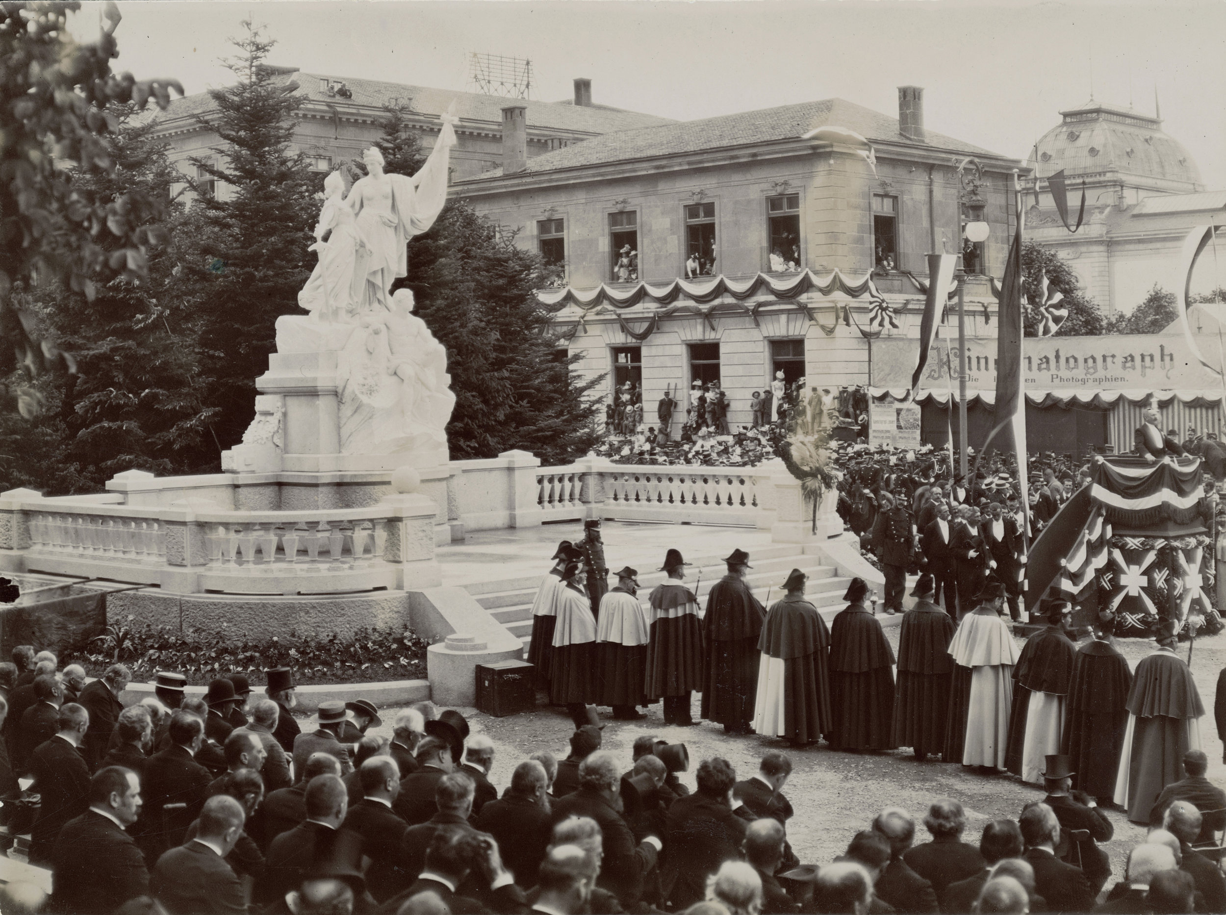 Inauguration du monument de la République à Neuchâtel, 1898, photo de Victor Attinger