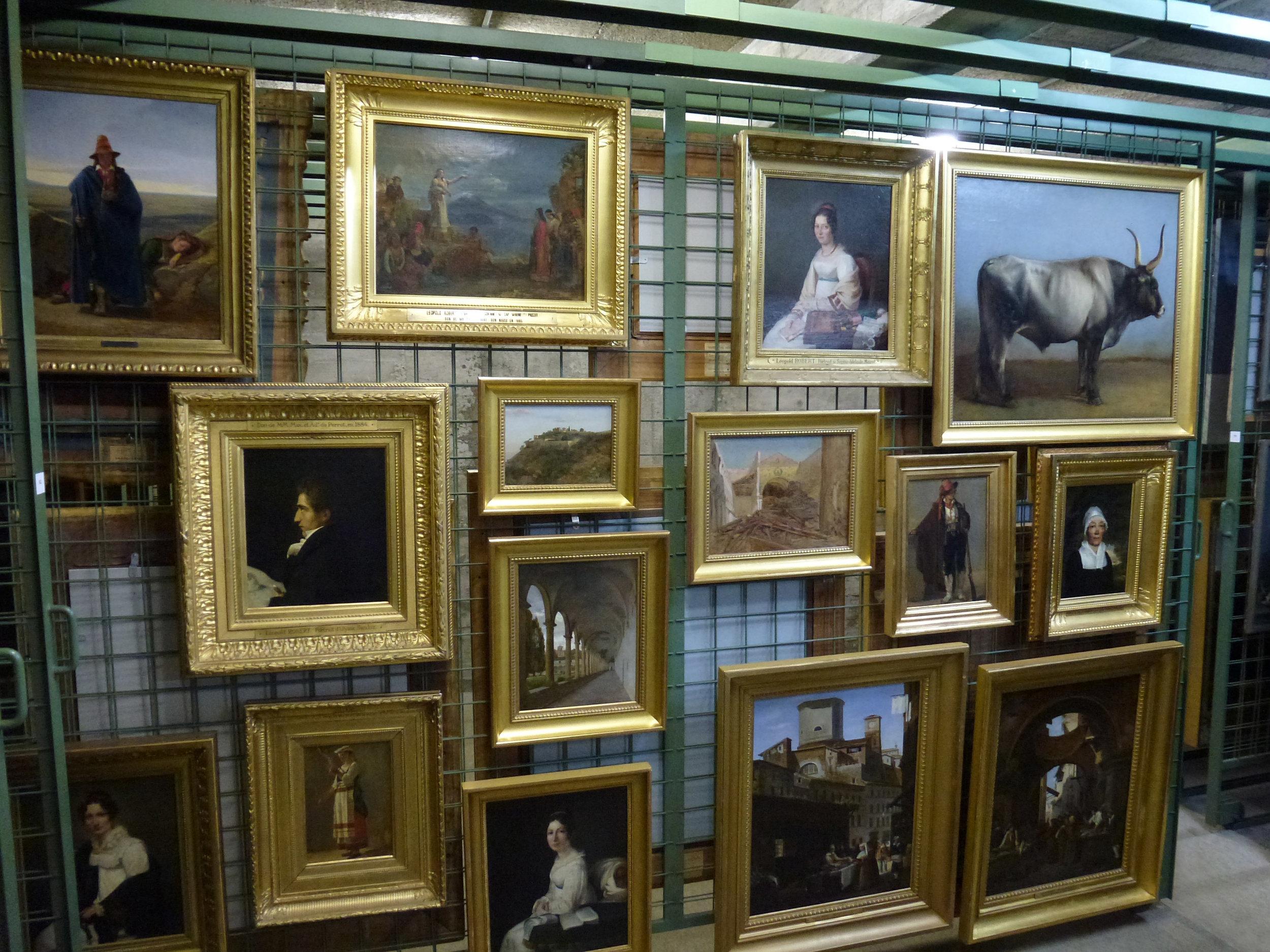 """Parmi les trésors actuellement conservés dans le sous-sol du MahN se trouve cette """"paroi"""" de tableaux de Léopold Robert"""