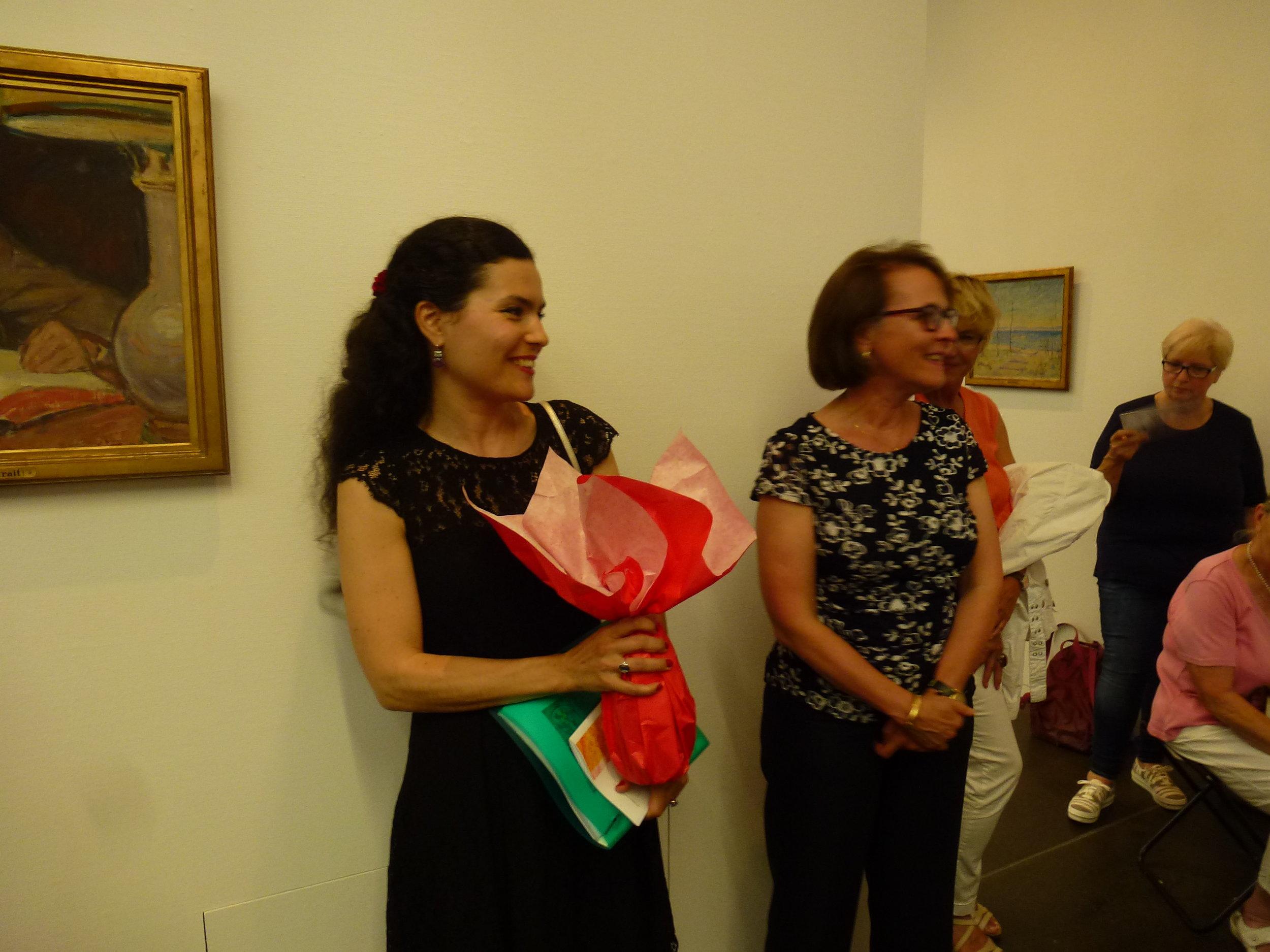 Les chaleureux remerciements de notre présidente Anne Gueissaz à Pamela Corvalan à l'issue de la visite guidée
