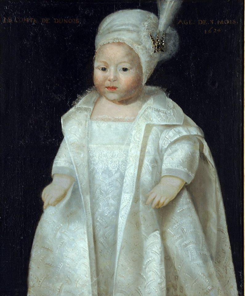Anonyme (XVIIème siècle),  Portrait du comte de Dunois  1626. Huile sur toile, 60x51 cm. Ce petit enfant, âgé de trois mois sur la toile, fils d'Henry d'Orléans-Longueville mais dont on ne connait pas le prénom, est malheureusement décédé prématurément.