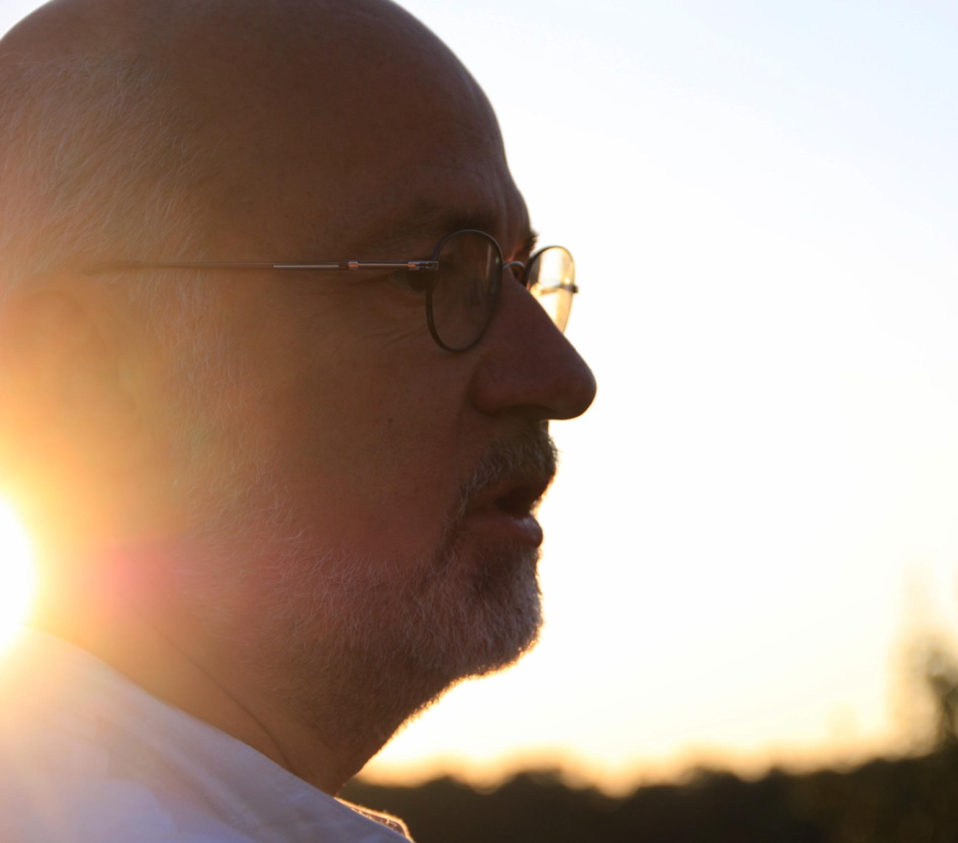 """Angedacht ist der Titel: """"Das Karussell im Kopf – Wege und Irrwege des inneren Gleichgewichts"""" - — Dr. Peter Gungl"""