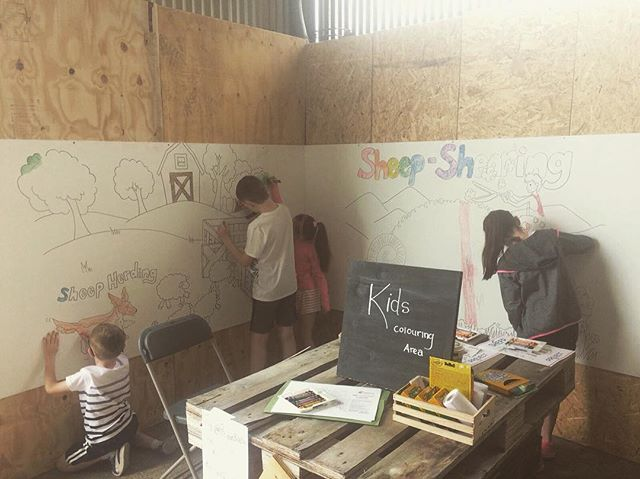 Little artist shepherds colouring in the Project Baa Baa mural ❤️ #projectbaabaa #galway2020 #sheep2018