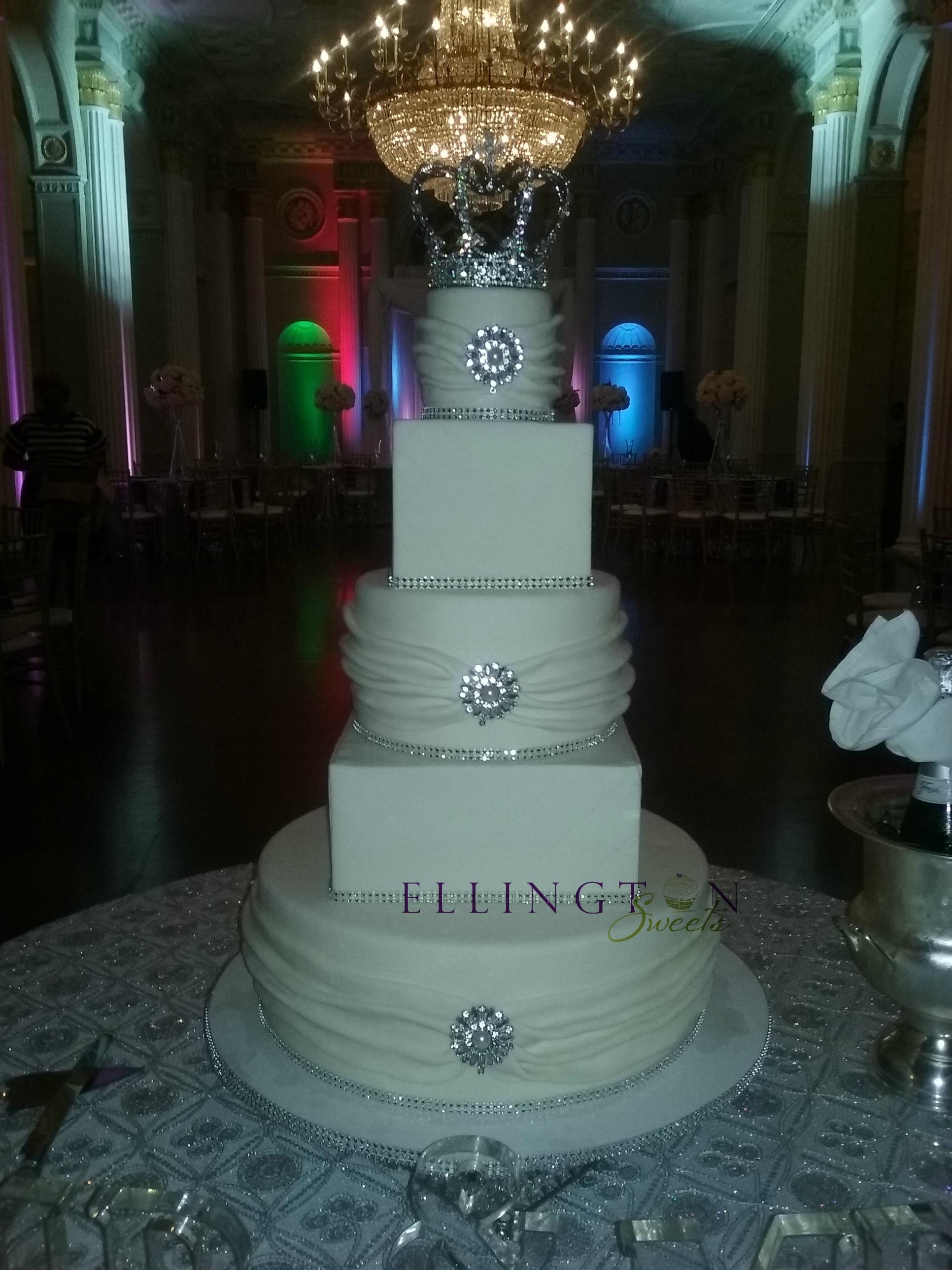 Benji - Cherry_s wedding cake.jpg