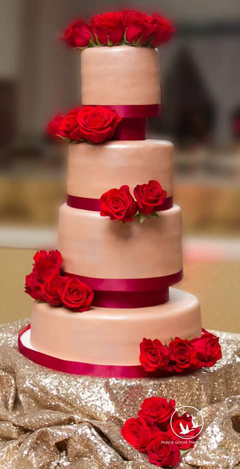 Champagne and red roses cake.jpg