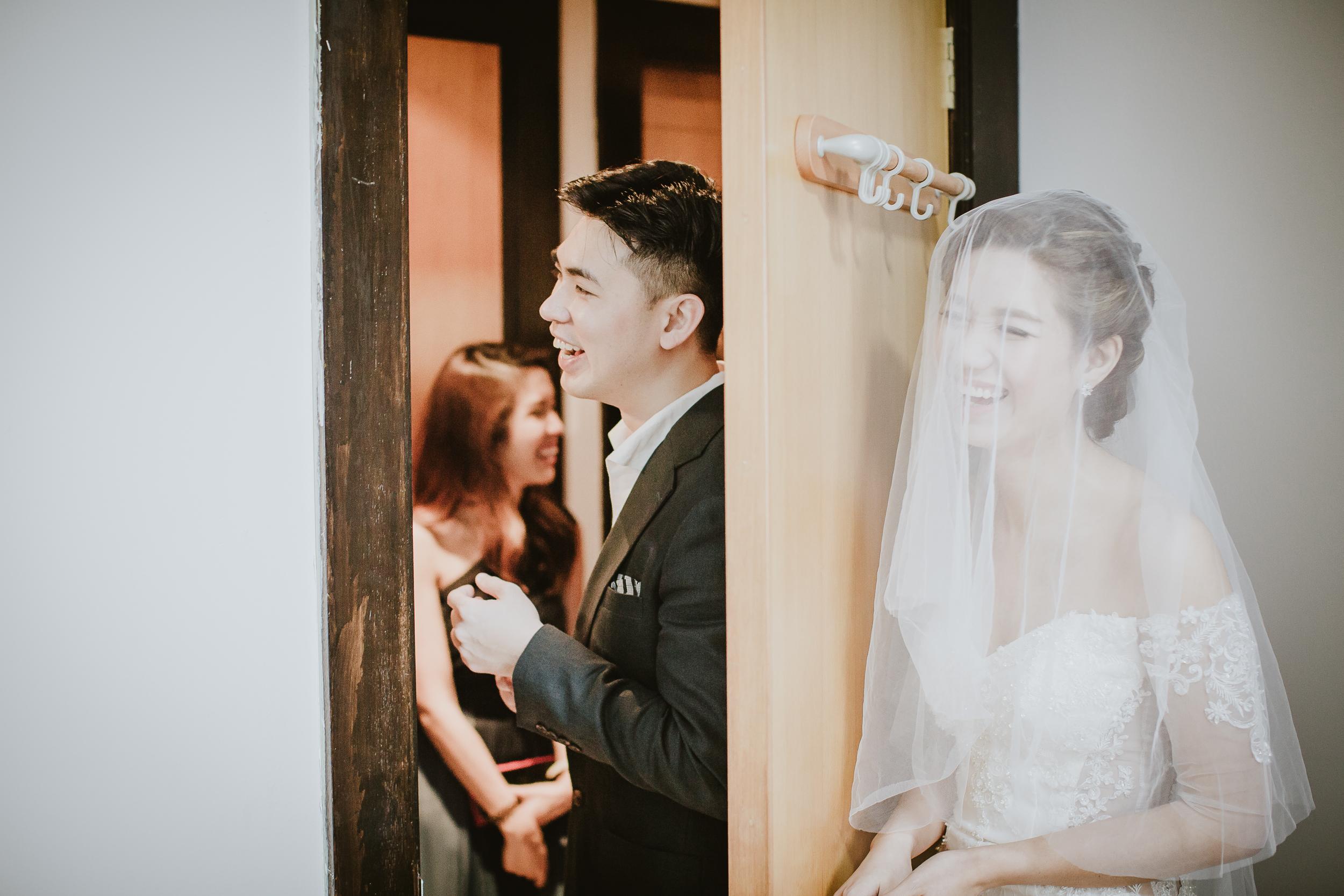 Singapore+Actual+Day+Wedding+Photographer+Raffles+Town+Club+Jeremiah+Christina-0032.jpg