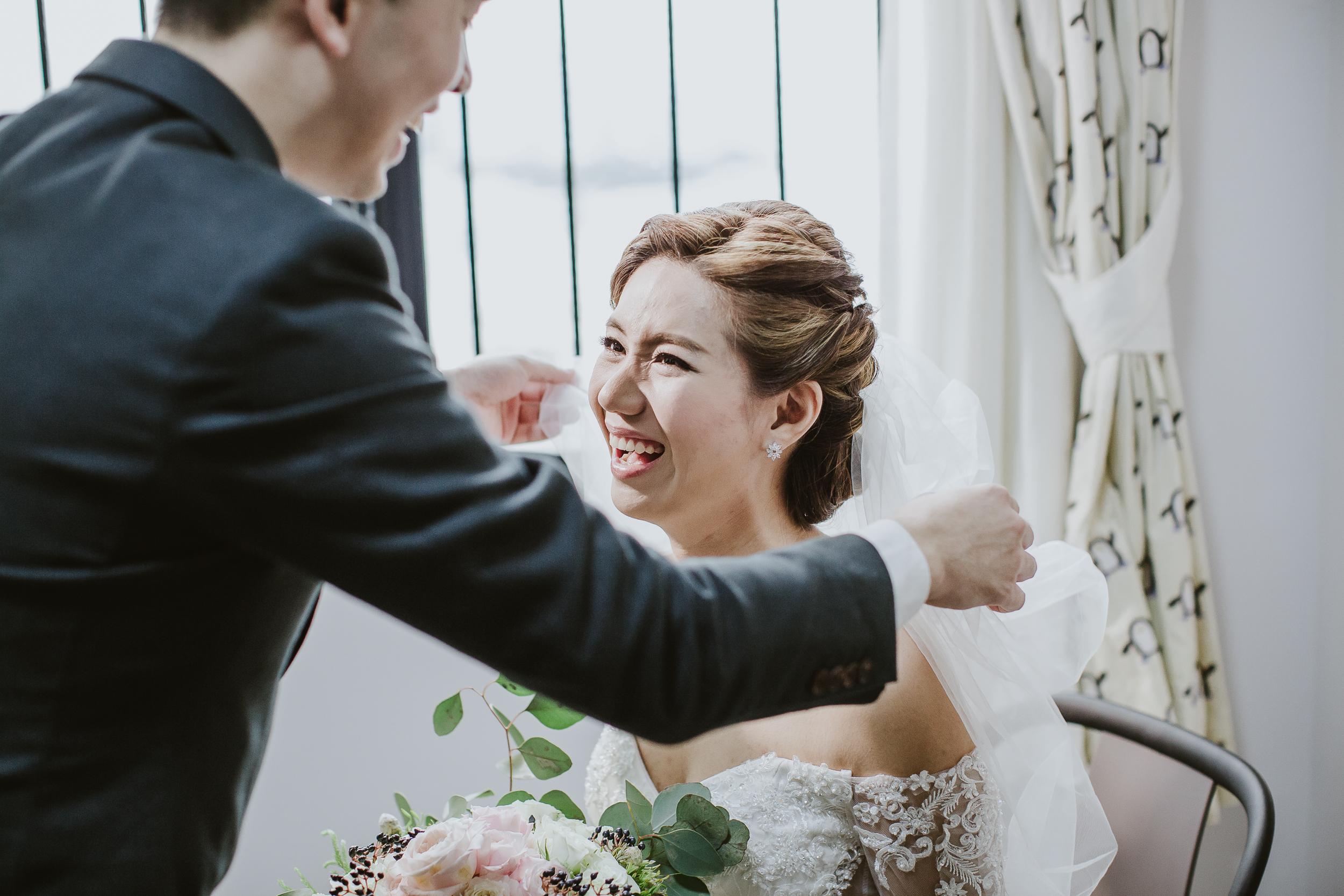 Singapore+Actual+Day+Wedding+Photographer+Raffles+Town+Club+Jeremiah+Christina-0034.jpg