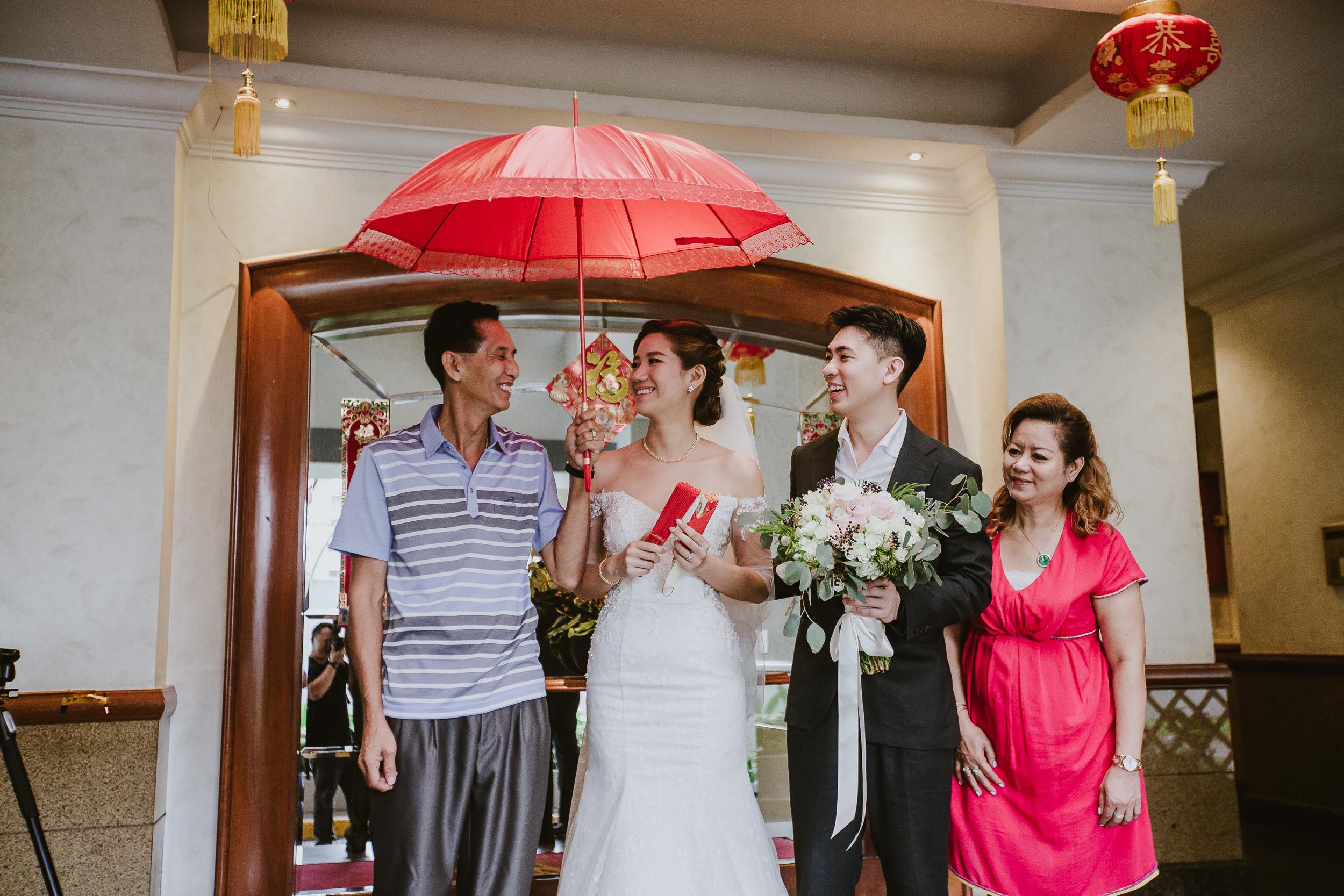 Singapore+Actual+Day+Wedding+Photographer+Raffles+Town+Club+Jeremiah+Christina-0037.jpg