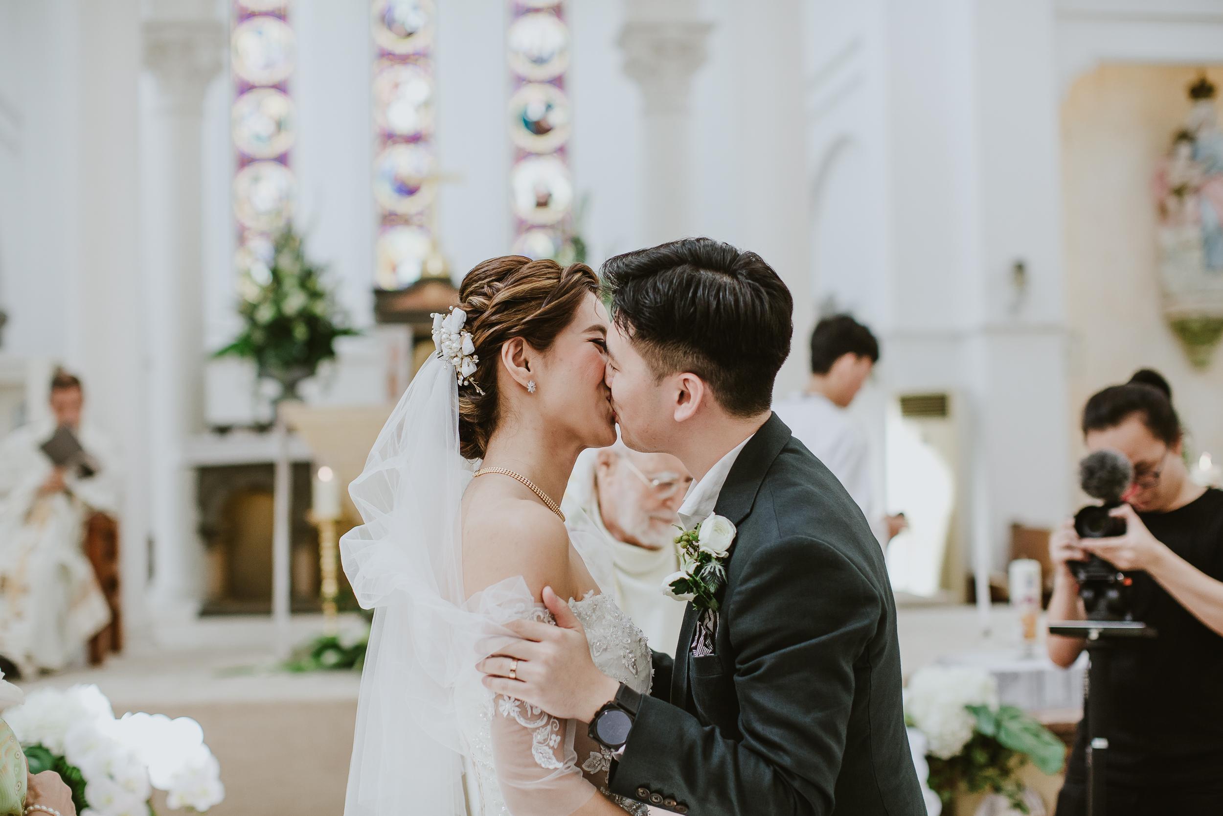 Singapore+Actual+Day+Wedding+Photographer+Raffles+Town+Club+Jeremiah+Christina-0058.jpg