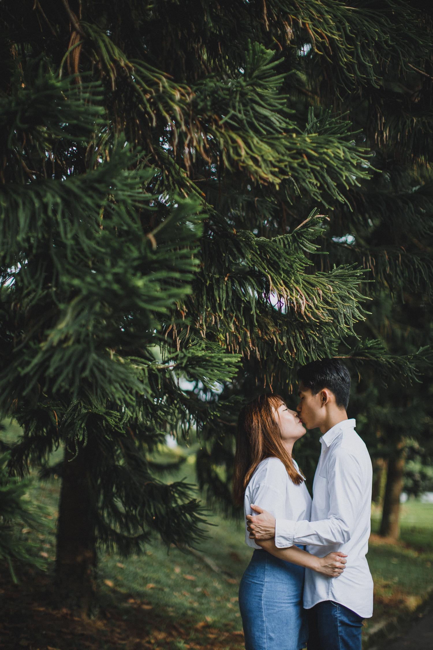 Singapore+Wedding+Photographer+Pre-Wedding+Couple+Zhiyu+Huimin-0024.jpg