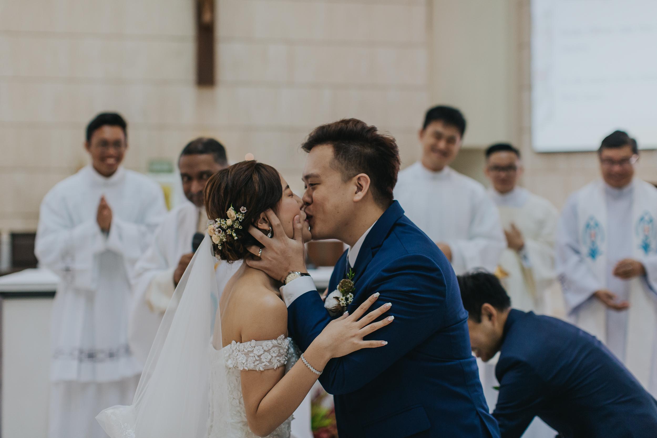 Singapore+Actual+Day+Wedding+Photographer+Grand+Mercure+Oliver+Estelle-0057.jpg
