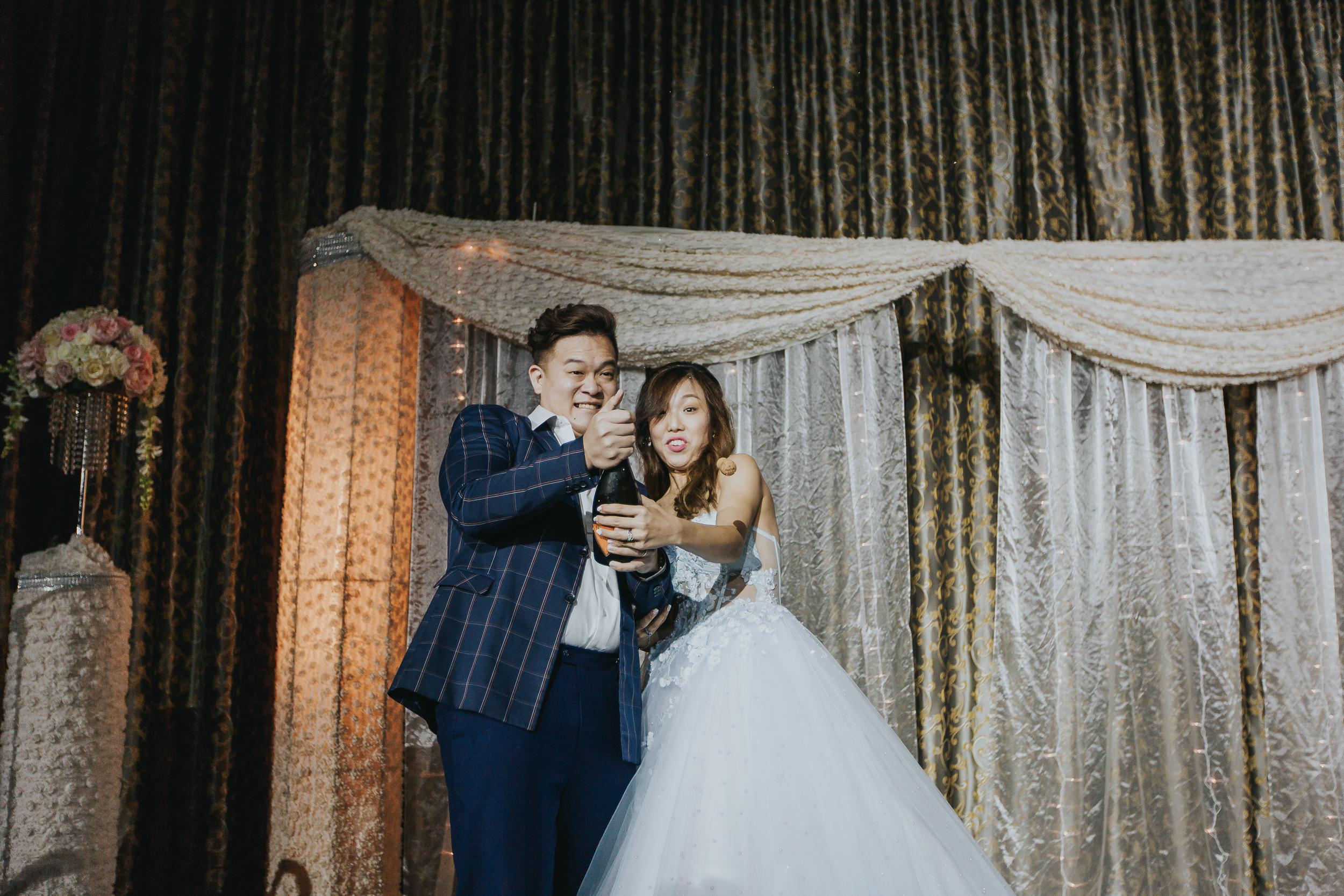 Singapore+Actual+Day+Wedding+Photographer+Grand+Mercure+Oliver+Estelle-0100.jpg