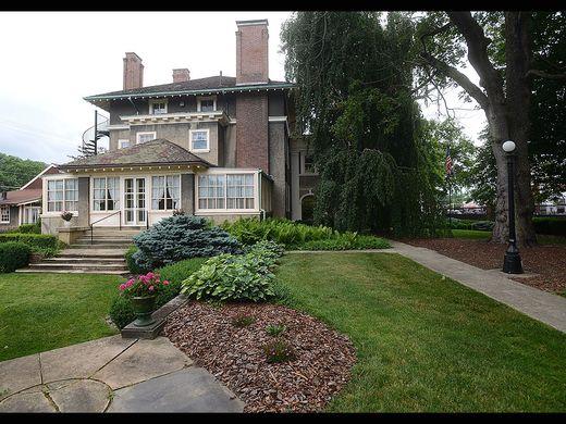 636020379266896871-13-zan-schultz-mansion.jpg