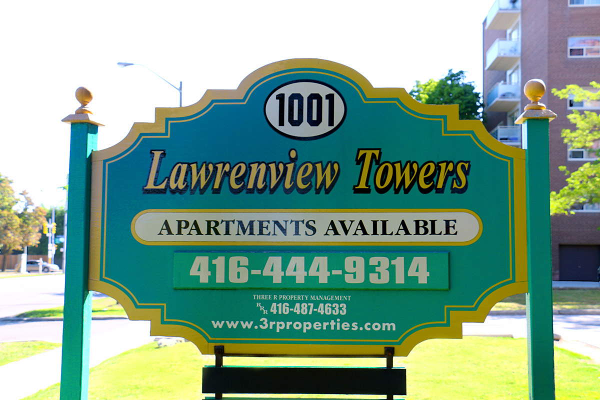 3R05 - 1001 Lawrence Ave - Photo2 Sign.jpg