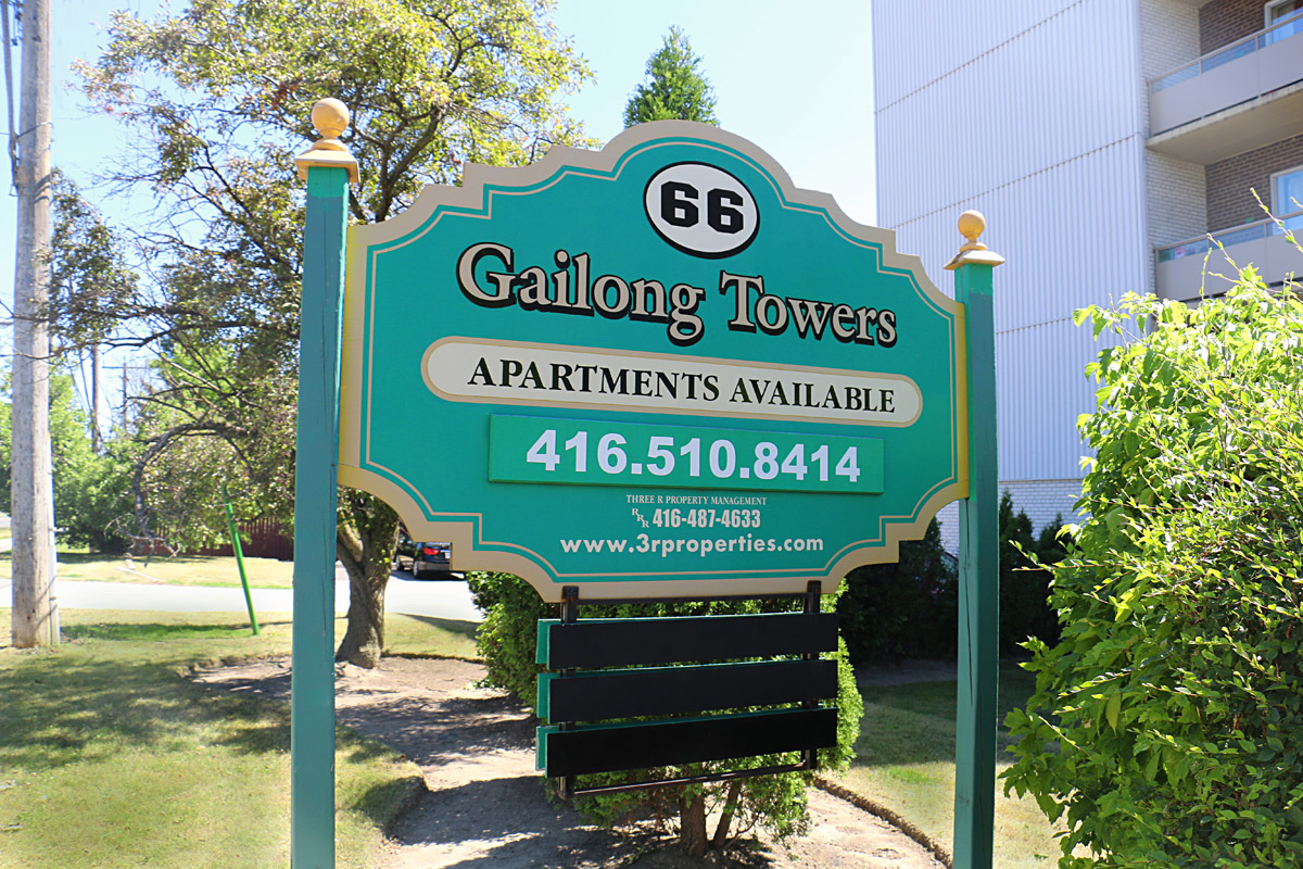 3R10 - 66 Parkwood Village Drive - Photo2 Sign.jpg