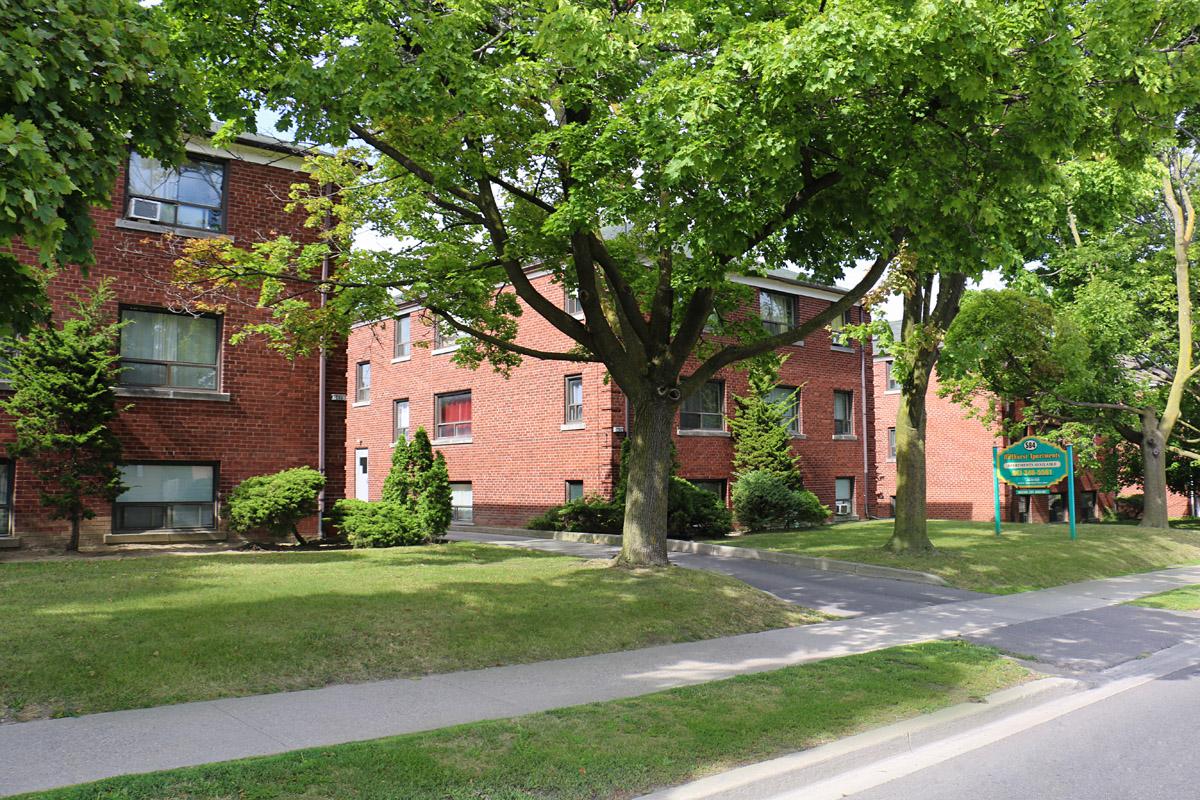 3R13 - 584 Lawrence Avenue - Photo3 3 Buidings.jpg