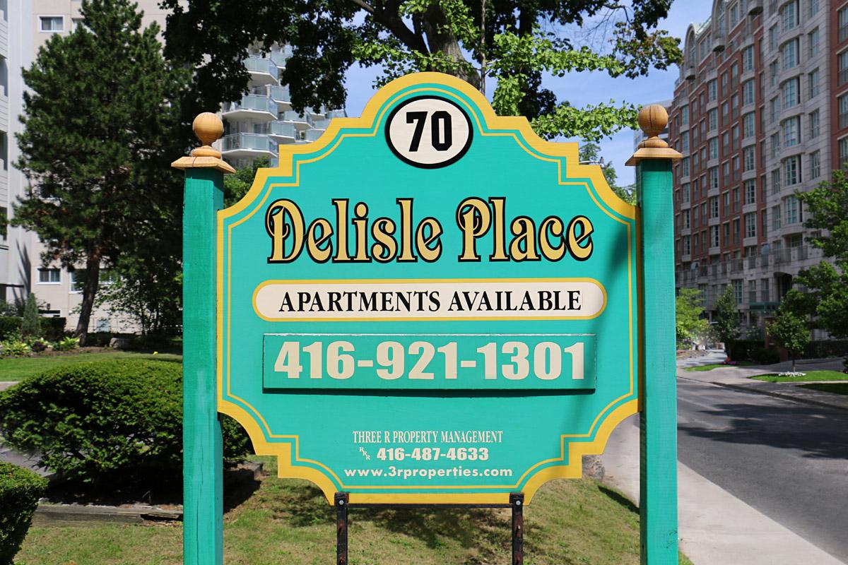 3R14 - 70 Delisle - Photo2 Sign.jpg