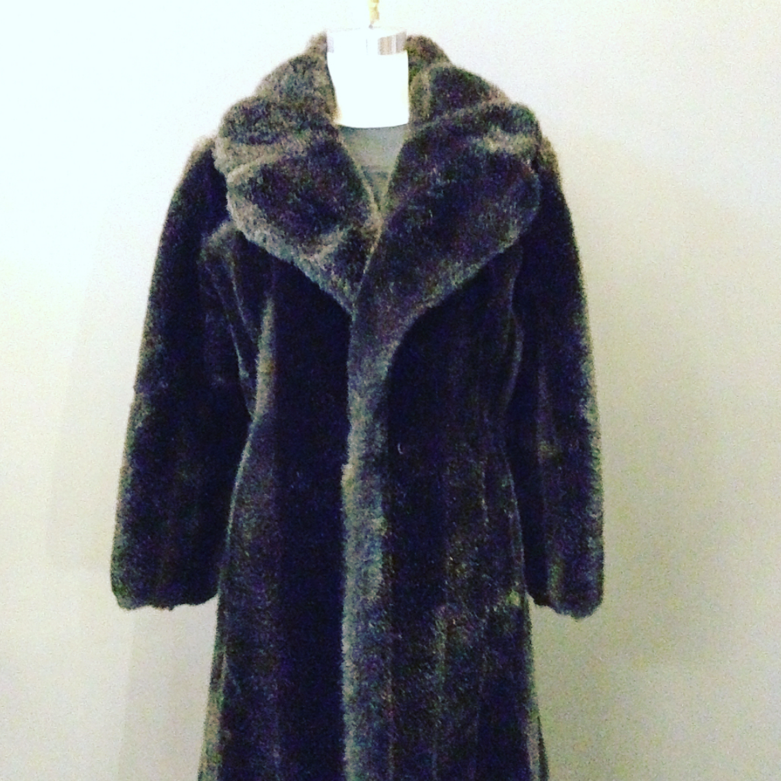 Full Length Faux Fur Loat