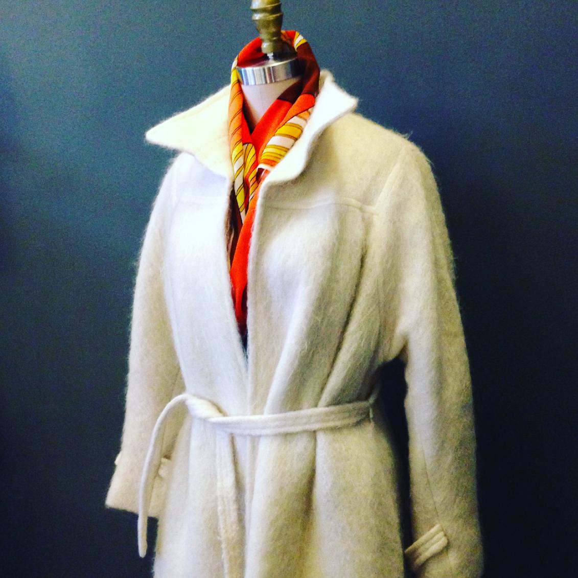 Vintage White Mohair Robe Style Coat
