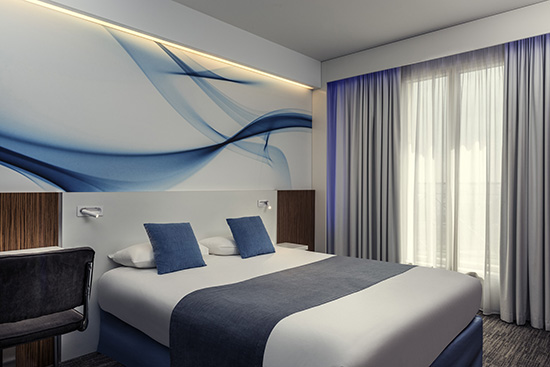 Détention murs et fonds 3 étoiles 48 chambres Bar, snacking et room service Espaces de réunion, parking Le + : vous ne raterez plus votre Eurostar !