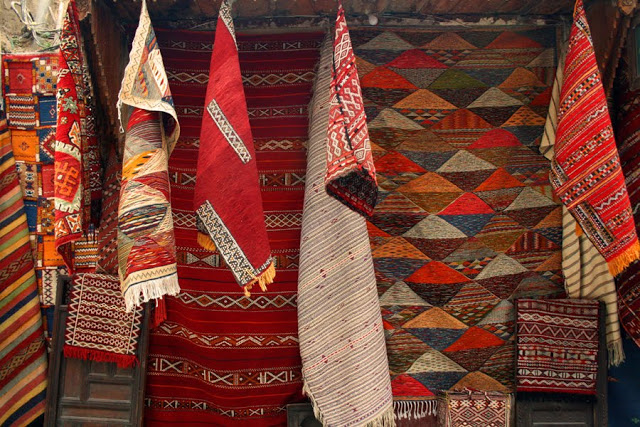 Moroccan rugs - Moroccan rugsare popular purchases for visitors and make an excellent addition to any home.There are are around forty-five different tribal groups, each of which has distinctive designs and sometimes varying weaving and embroidery styles