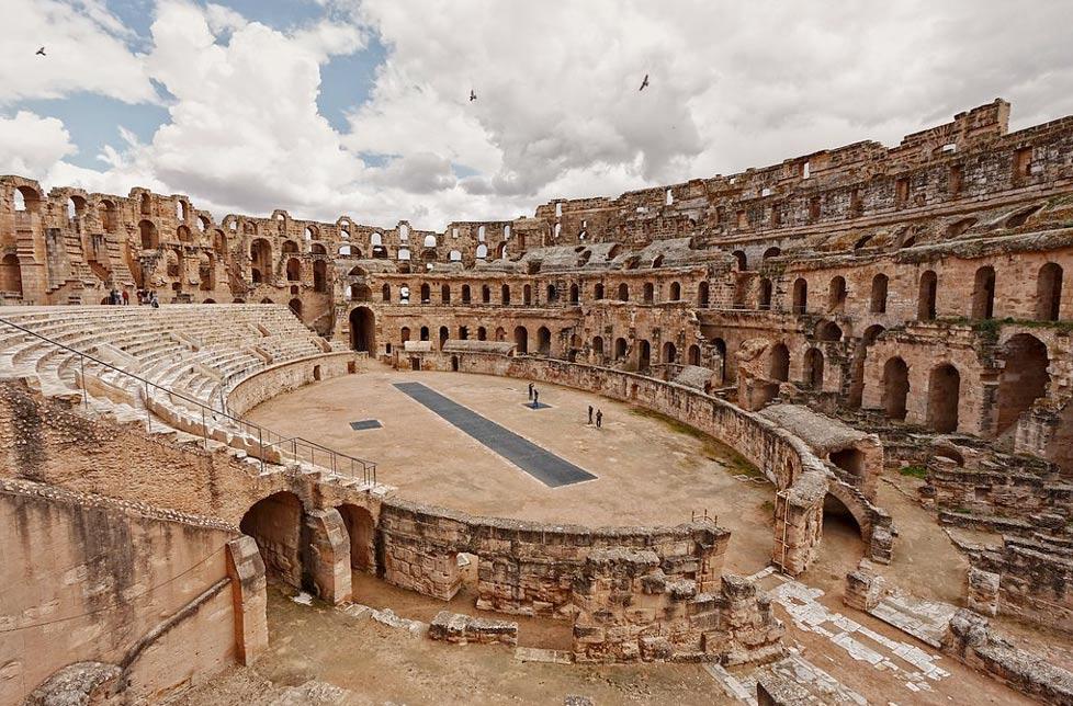 Amphitheatre-of-El-Djem.jpg