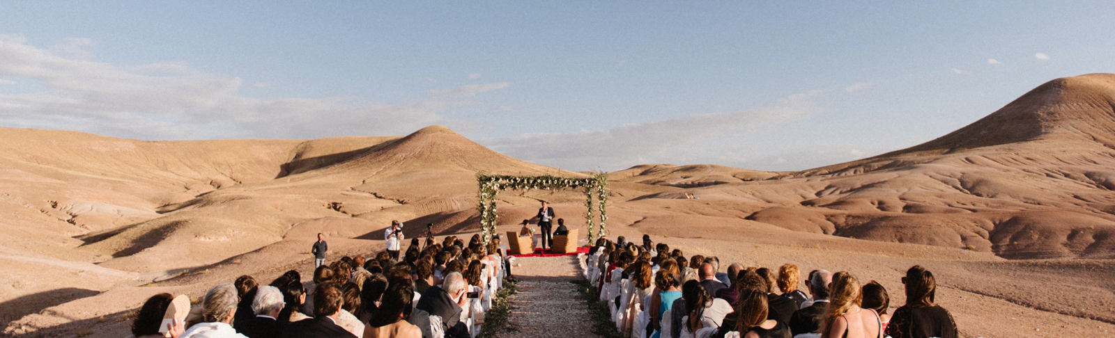 feature-chloe-lapeyssonnie-cool-modern-hipster-wedding-desert-morocco-marrakech-lapause_0011.jpg