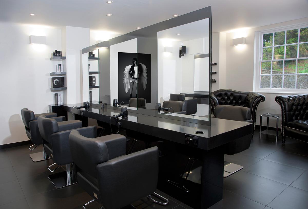 The_Square_salon1.jpg