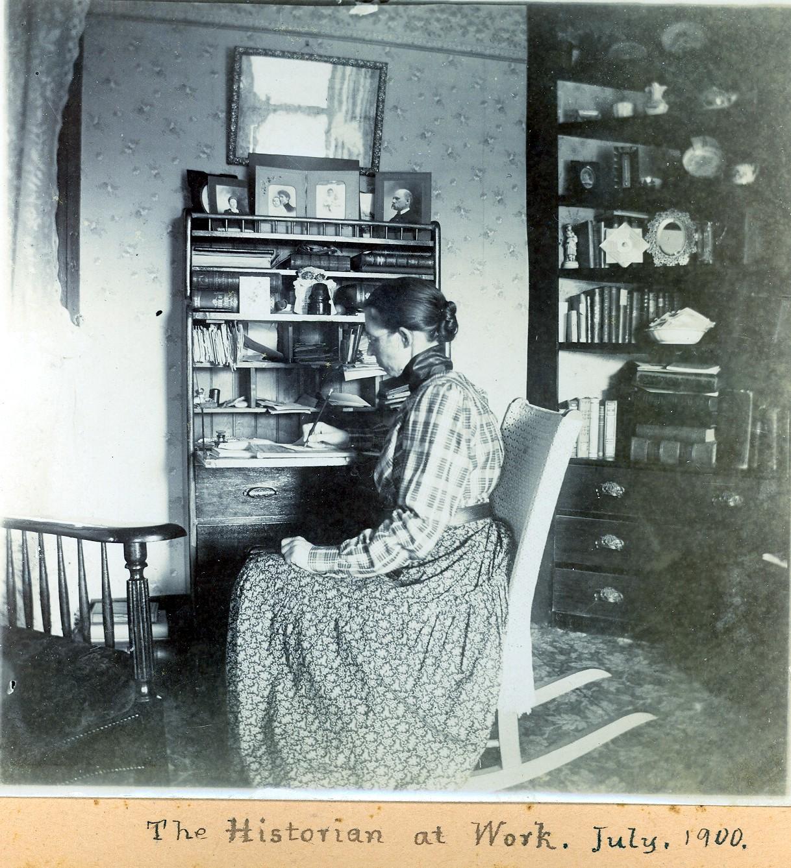 HistorianAtWork(July 1900).jpg